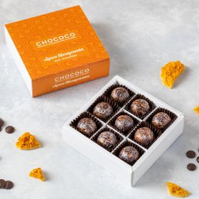 A box of 9 handcrafted Agave Honeycombe Chocolates, using 67% Madagascar origin dark chocolate stuffed with crunchy honeycombe pieces all proudly made in Dorset by Chococo