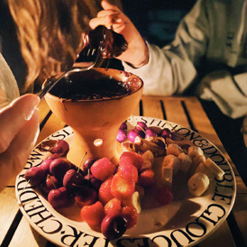 Enjoy a chocolate fondue Chococo-style this summer!