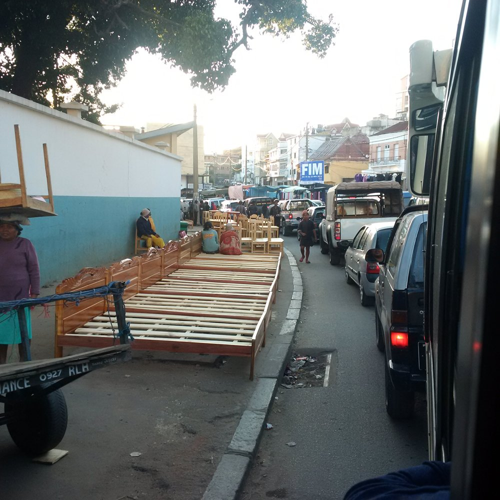 rush hour in bed central tana