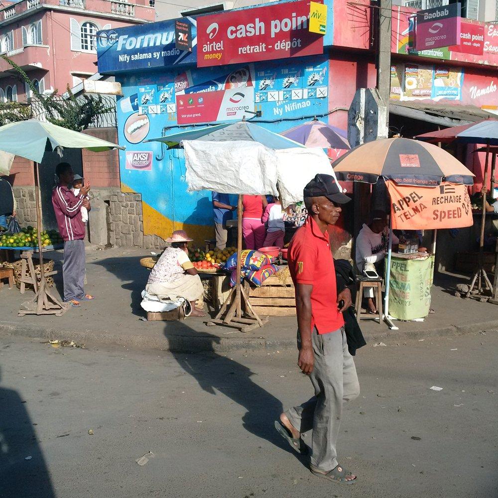 tana street scene