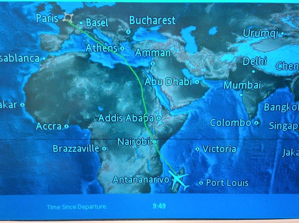 route from paris to antananarivo madagascar